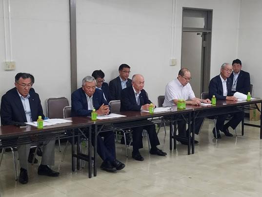 政策懇談会がスタートの中川郁子(ゆうこ)写真