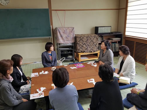 女性集会の中川郁子(ゆうこ)写真