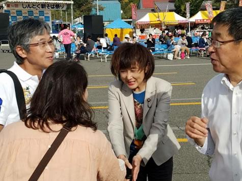 新得そば祭りの中川郁子(ゆうこ)写真