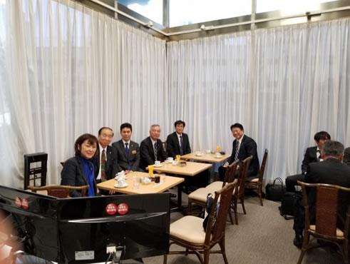 自民党本部内の喫茶店にての中川郁子(ゆうこ)写真