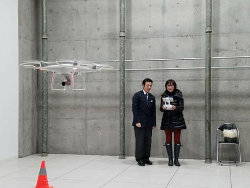 DJI承認ストア、農林水産航空協会指定教習所エアステージ帯広店オープンの中川郁子(ゆうこ)写真