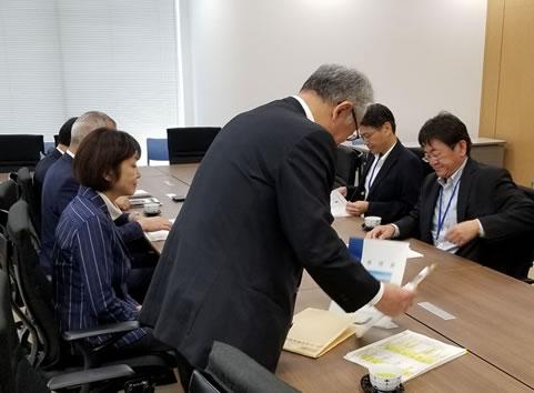 とかち航空宇宙産業基地誘致期成会の中川郁子(ゆうこ)写真