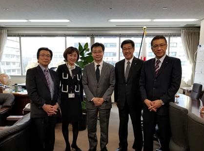 資源エネルギー庁訪問の中川郁子(ゆうこ)写真