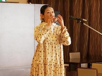 ホンヤ ミカコさんオカリナコンサートの中川郁子(ゆうこ)写真