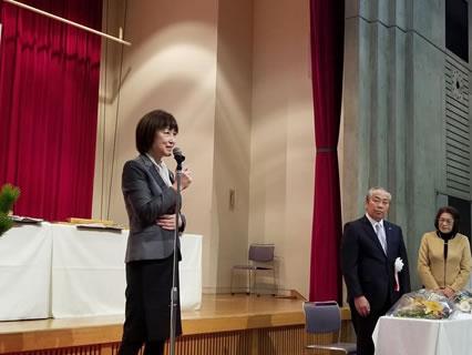 小野信次音更町長を囲む新年の集いの中川郁子(ゆうこ)写真