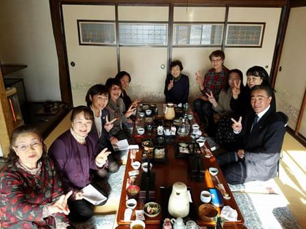 幕別後援会女性部役員新年会の中川郁子(ゆうこ)写真