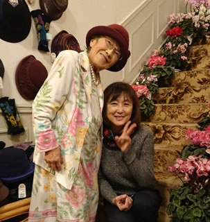花の館訪問の中川郁子(ゆうこ)写真