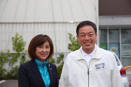 岩本剛人(つよひと)候補選挙遊説 広尾町街頭演説会。の中川郁子(ゆうこ)写真